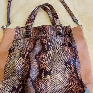 Simply Vera, pink, Snakeskin, excellent condition